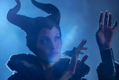 maleficent-angelina-jolie-2
